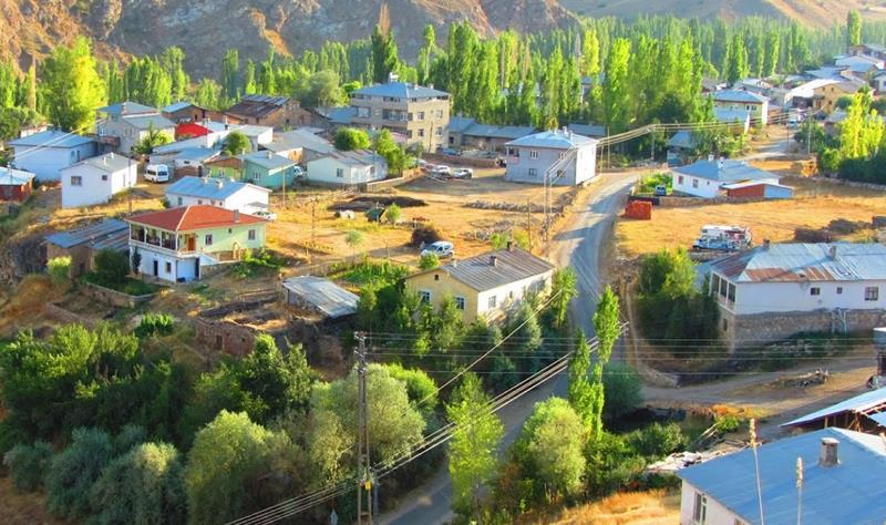 Köyümüzün yaşam standartları ve modern yapısı şehirdeki kolaylıkları aratmayacak düzeydedir